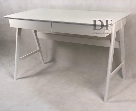 Письменный стол «Минимал» №2 из дерева