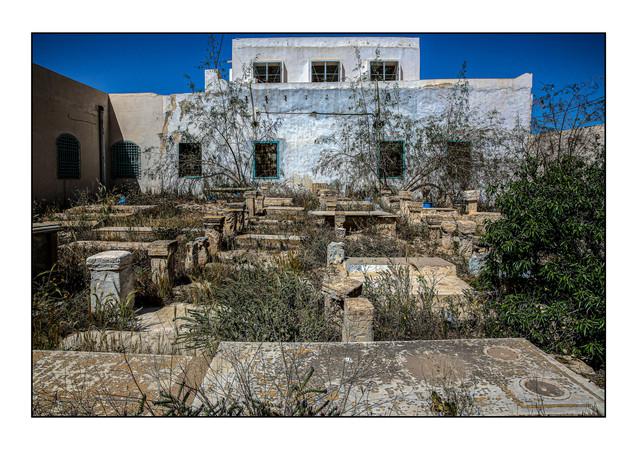 Cemetery with Synagogue Rabbi Eliezer (at back).  Hara Kebira, Djerba, Tunisia.