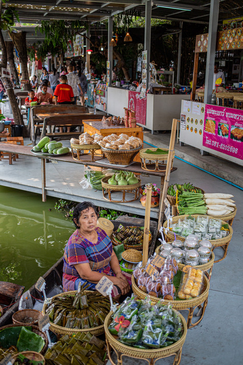 Khlong Lat Mayom Floating Market, Bangkok.
