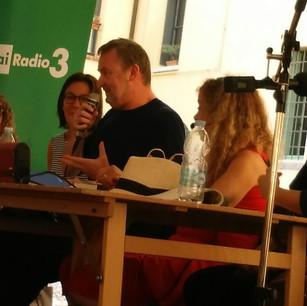 "Velibor Čolić, author of ""Manuel d'exil"" (France), live radio interview"