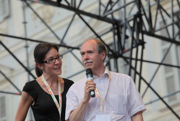 On stage with G. tHooft, 1999 Nobel Laureate in Physics)