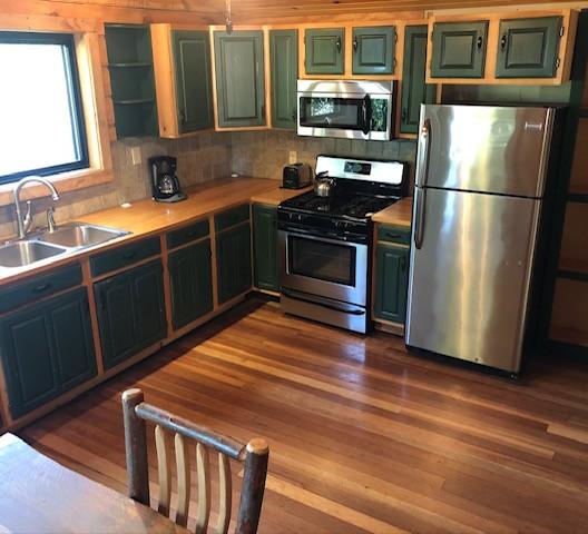 cottage # 1 kitchen.JPG
