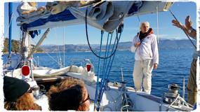 Chiara, Laura, Raffaela e lo skipper che gesticola .. :-)