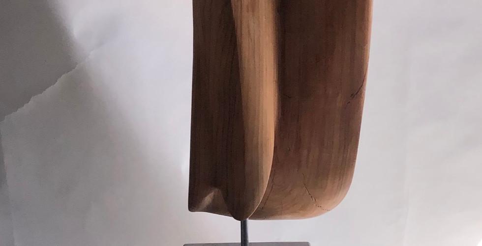 Zugeneigte Ofenheit, Kirschenholz auf Kalksteinsockel, H: 175cm, 35x31cm, 2020