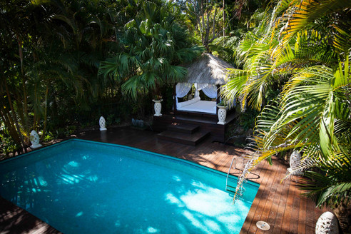 The Retreat - Balinese Gazebo and private swimming pool