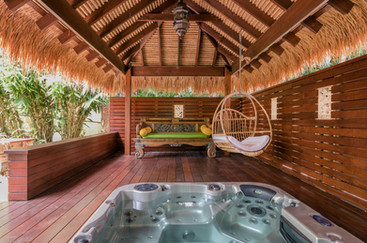 Bliss Cottage - Private Spa and Balinese Gazebo