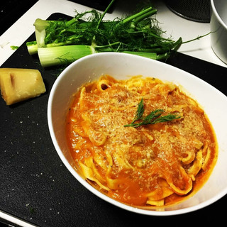 Classic Fettuccine in Tomato Sauce