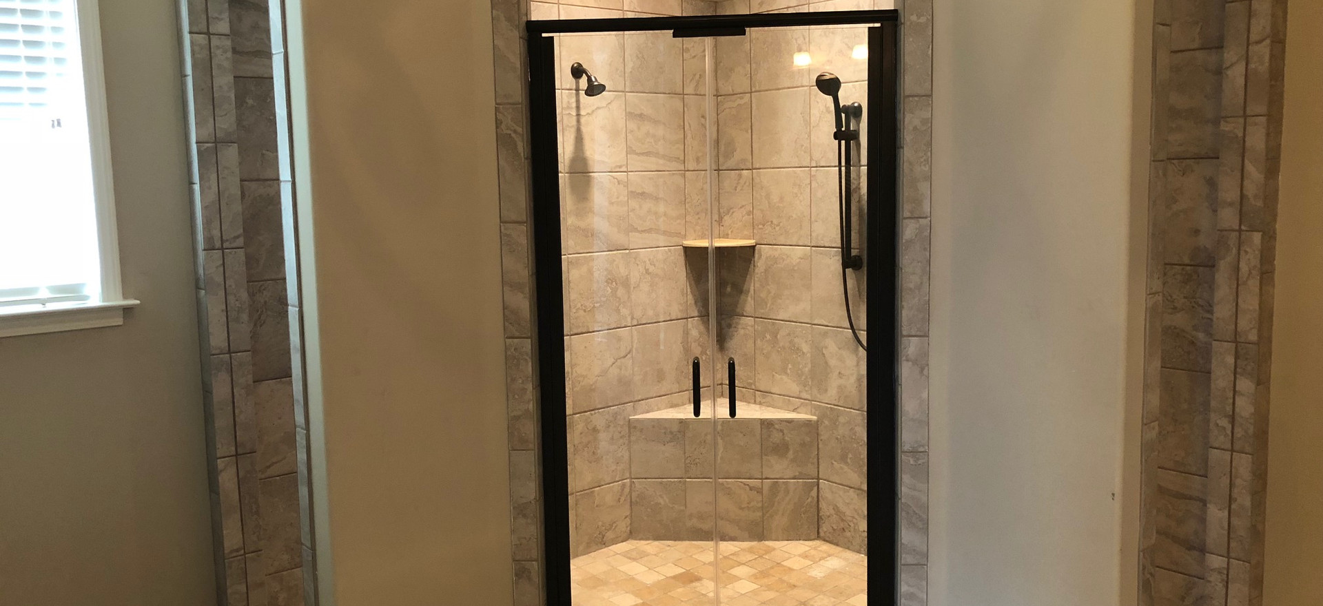 Master Shower with dual entry