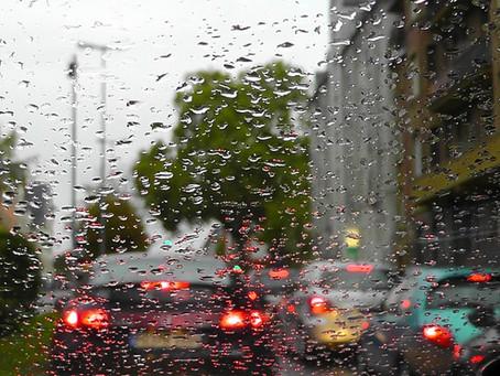 10 Tips para manejar en la lluvia
