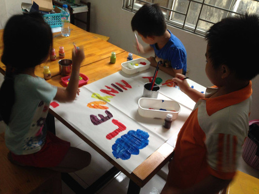 Handicraft session with the kids !