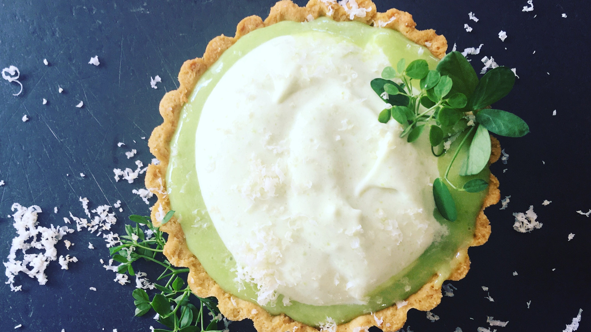 sweet pea and macademia tartlet