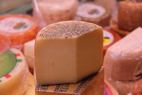 Kalabresiche Schafkäse (pecorino)