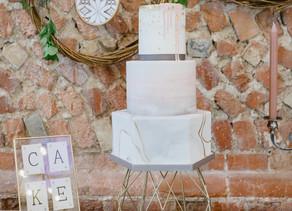 3 Creative Friends, 3 Weddings, 3 Wedding Cakes - Emma