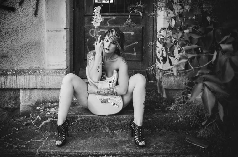 La fille à la guitare - séance à thème - Bourges