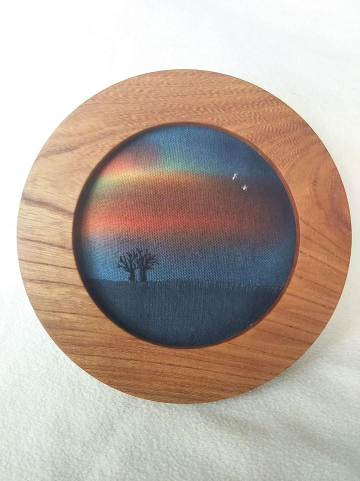 布絵 丸額 木製 木 tree 空 雲 art 風景 広い空