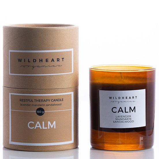 candela di soiacalm di wildheart organics è ricca di oli essenziali puri di lavanda, mandarinoe sandalo