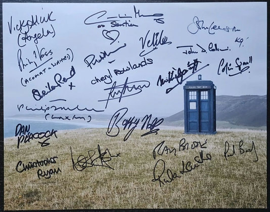 Doctor Who Cast Members Multi-Signed Photo (20x Autographs)