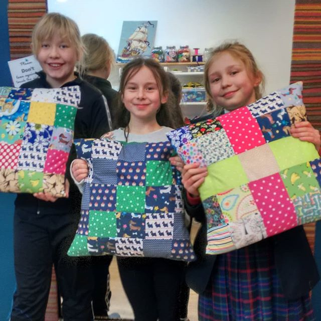 Happy pillows are finished! Great job gi