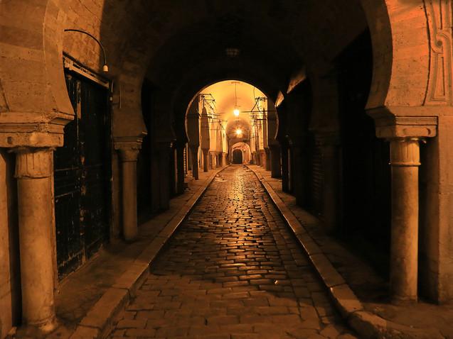 Les arcades au souk de Tunis