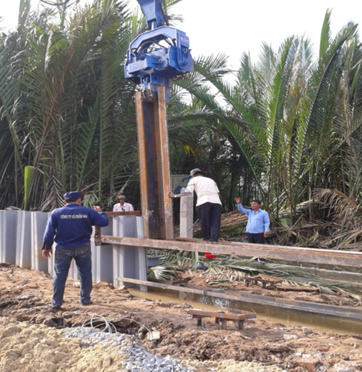 Vinyl sheet pile installation