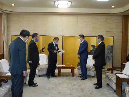 黒岩知事に横浜市長よりの要望書を提出