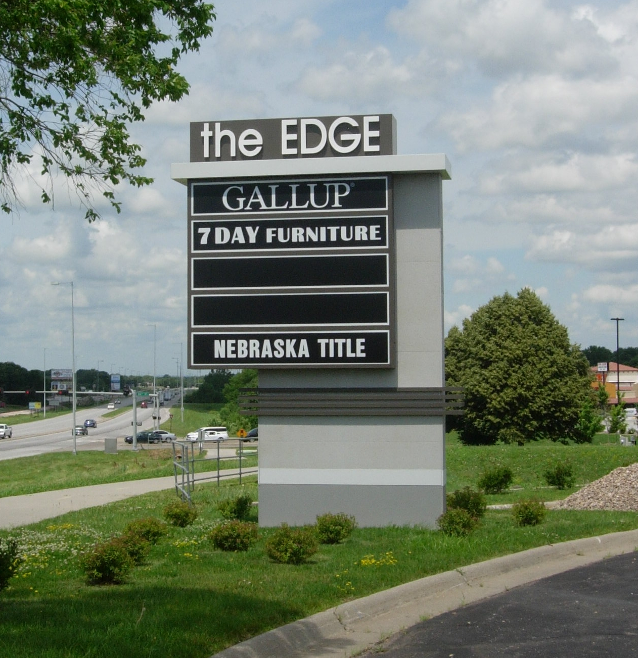 Edge Pole Sign