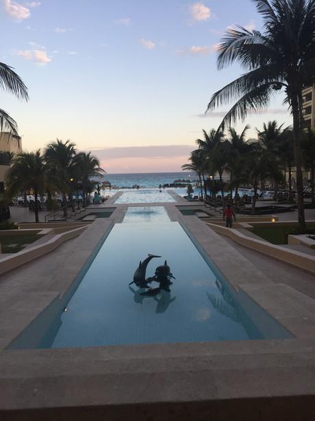 Royal Sands Infinity Pool