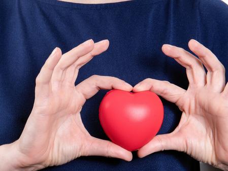 Cómo afecta el estrés al corazón: riesgos para la salud