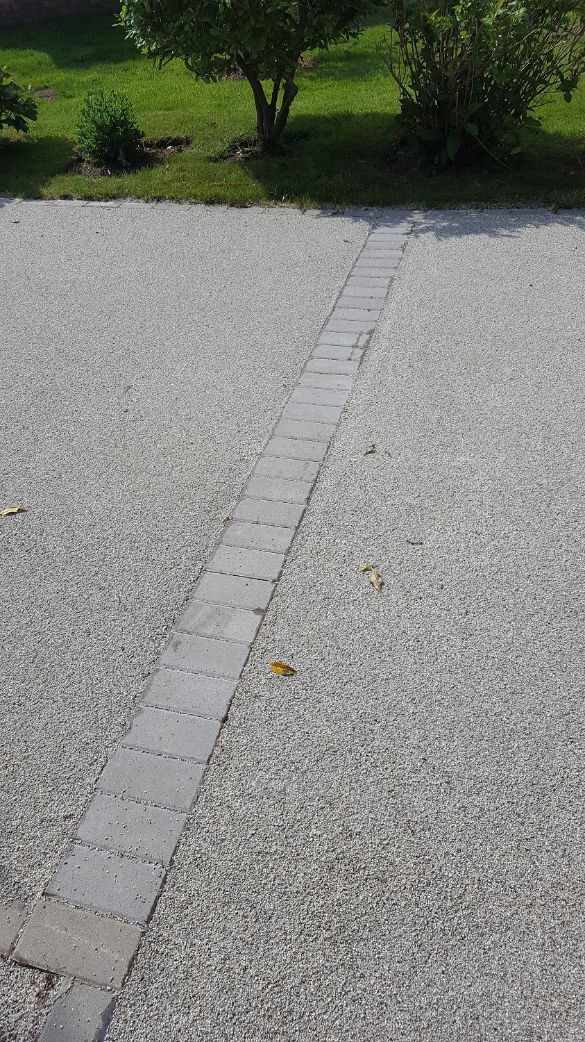 B4 - Resin Bonded Driveway Surfacing at Wingerworth in Chesterfield