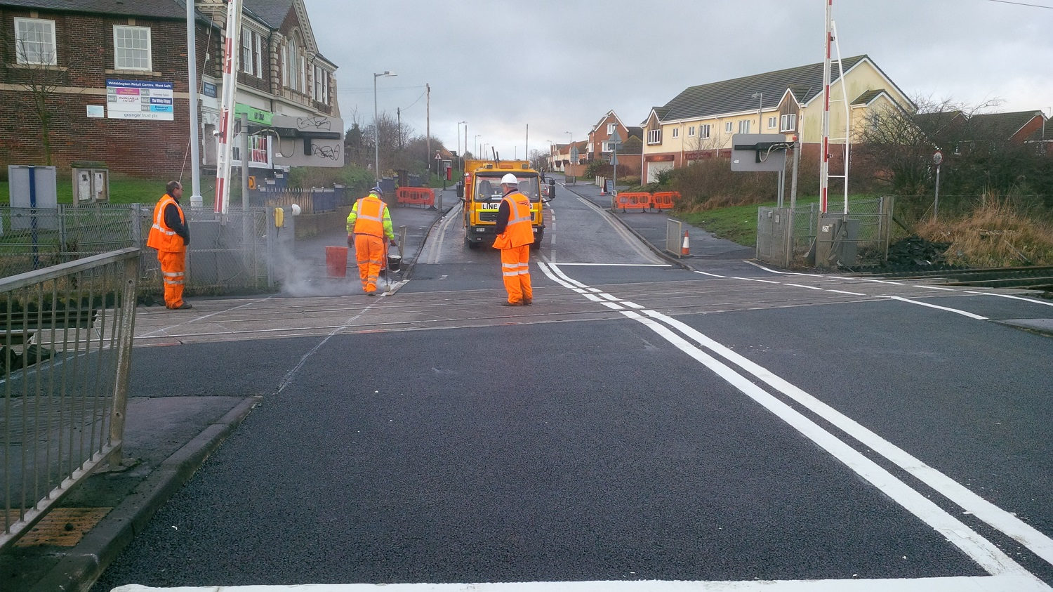 F64 Tarmac Road Surfacing to Network Rail Level Crossing