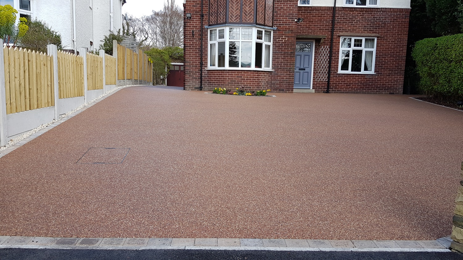 R16 - Chilli Chocolate Mix (2)  Resin Bound Driveway Surfacing at Brookside  in Chesterfield with Bl
