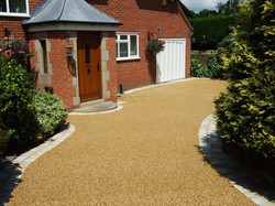 B1 - Resin Bound Driveway Surfacing at Walton in Chesterfield with Stone Block Border