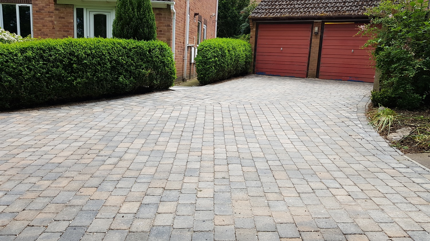 C27 Plaspave Sorrento Granite Stone and Sarsen Stone Block Paving Driveway at Linacre Woods in Chest