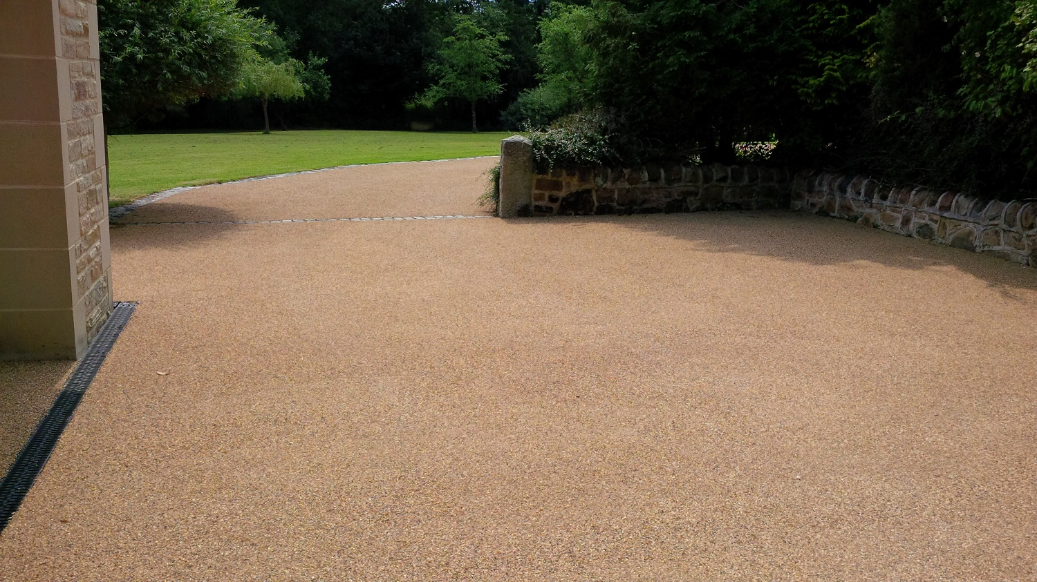 B7b - Resin Bonded Driveway Surfacing at Wingerworth in Chesterfield