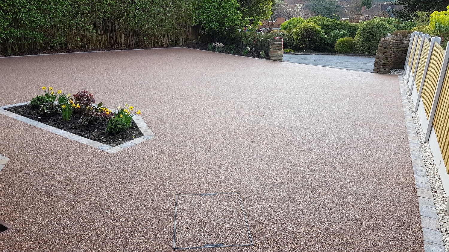 R17 - Chilli Chocolate Mix (2)  Resin Bound Driveway Surfacing at Brookside  in Chesterfield with Bl