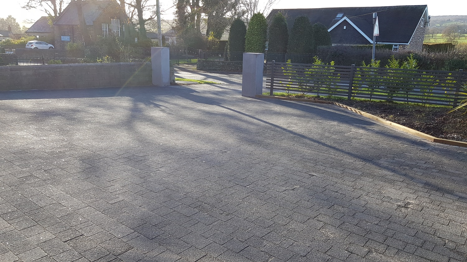 C22 Marshalls Argent Block Paving Driveway at Walton in Chesterfield