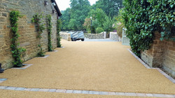 B9 - Resin Bonded Driveway Surfacing at Wingerworth in Chesterfield with Block Border