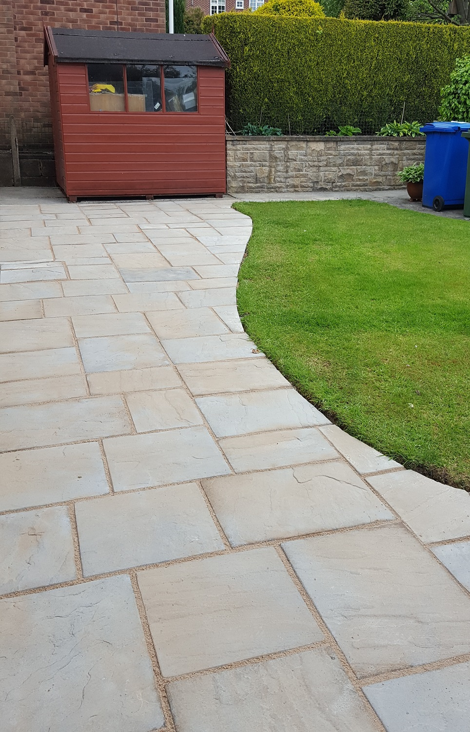 H2 Marshalls Heritage Paving Patio at Ashgate, Chesterfield