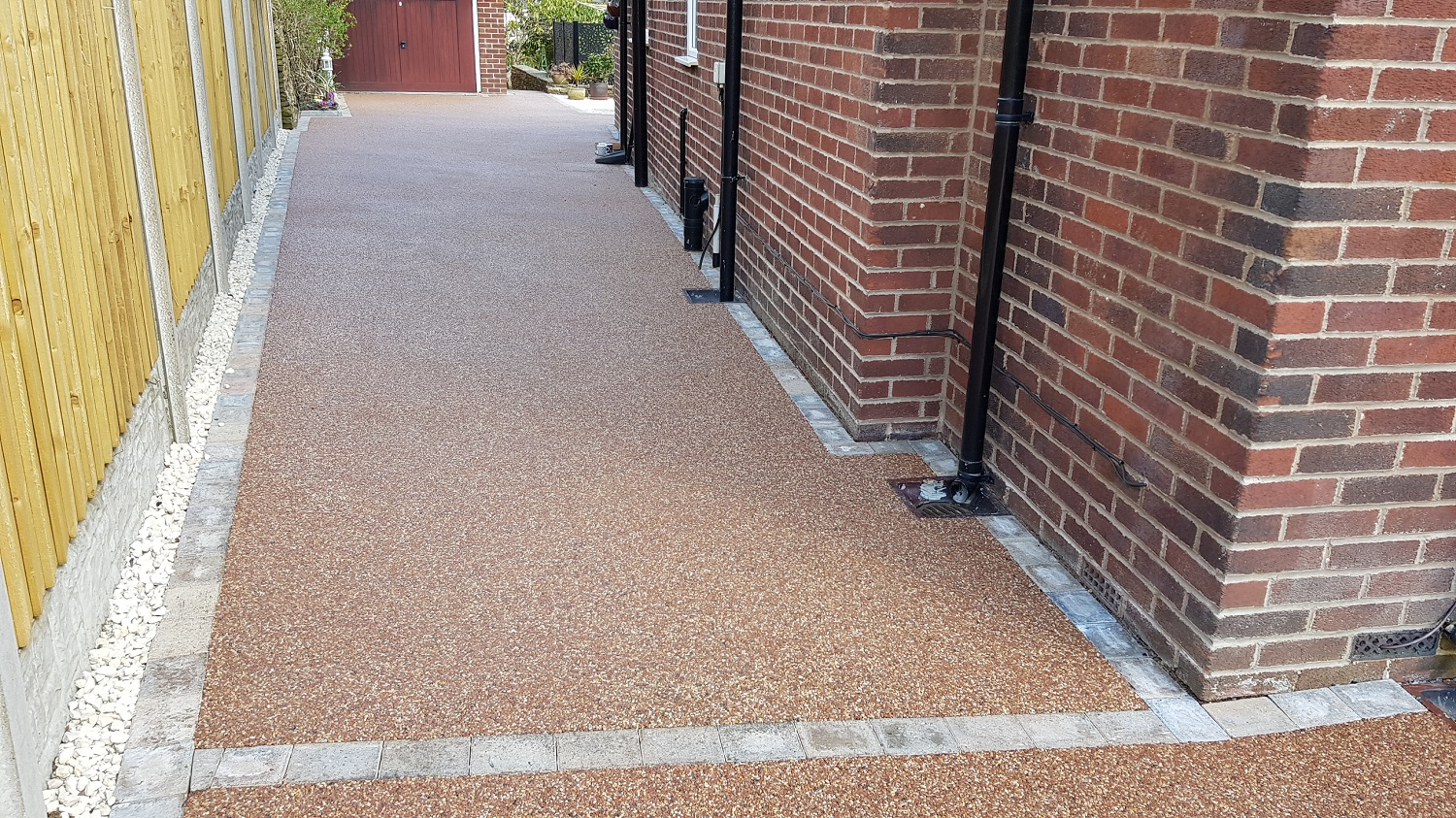 R15 - Chilli Chocolate Mix (2)  Resin Bound Driveway Surfacing at Brookside  in Chesterfield with Bl