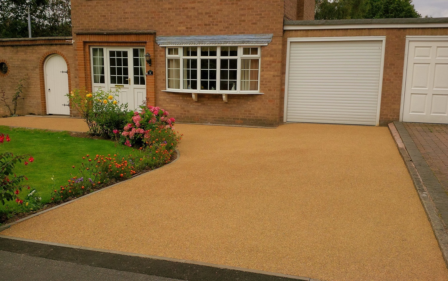 B2 - Resin Bonded Driveway Surfacing at Wingerworth in Chesterfield