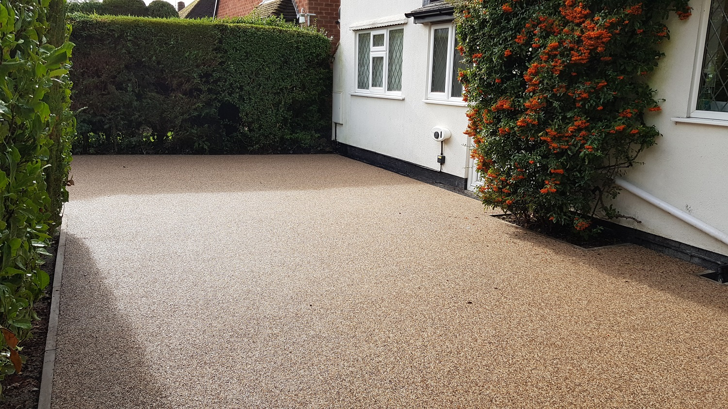 R28 - Milk Chocolate Mix Resin Bound Driveway Surfacing at Somersall in Chesterfield