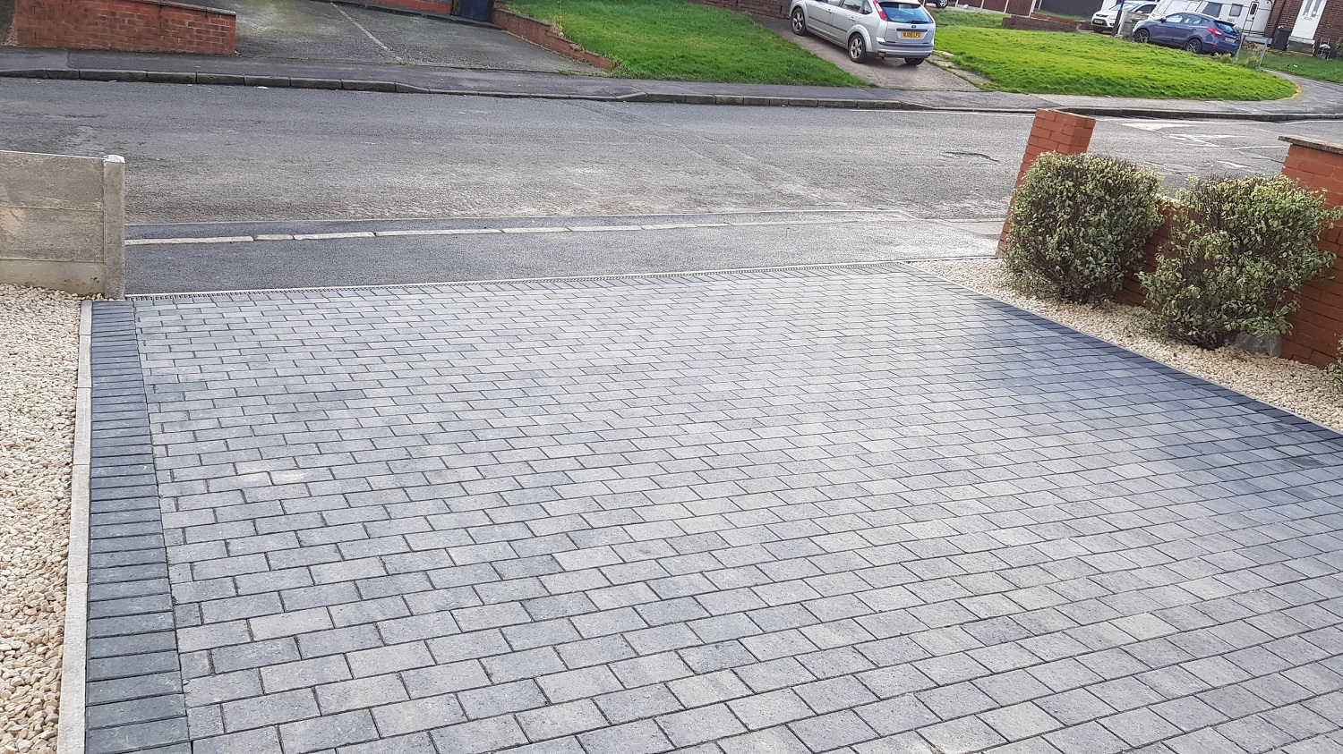 C39 Plaspave Premia Granite Stone Block Paving Driveway at Boythorpe in Chesterfield