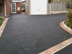 D12  Tarmac Driveway Surfacing with Brindle Block Border at Wingerworth in Chesterfield