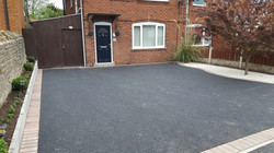 D7  Tarmac Driveway Surfacing with Brindle Block Border at Brampton in Chesterfield
