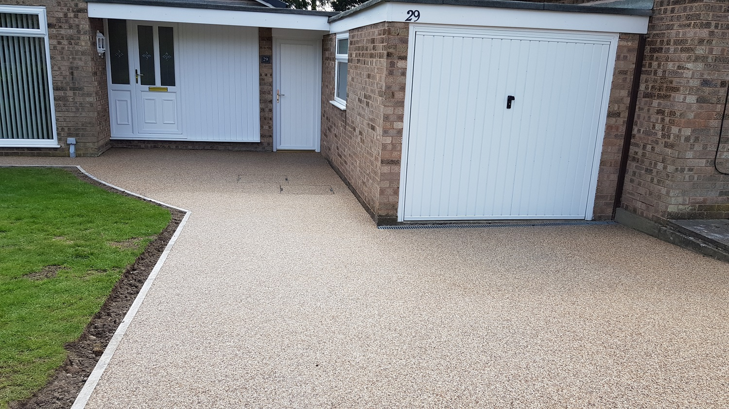 R21 - Milk Chocolate Mix Resin Bound Path Surfacing at Brampton in Chesterfield