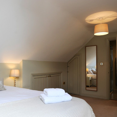 Burrs Farm - Bedrooms and Bathrooms
