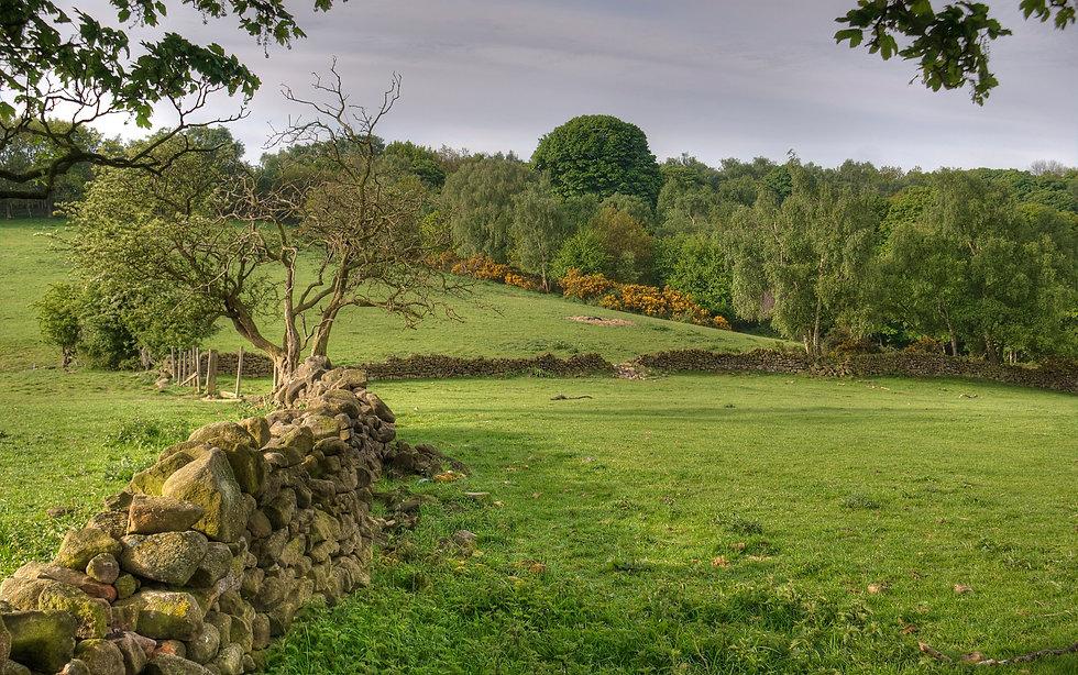 2048px-Derbyshire_Landscape.jpg