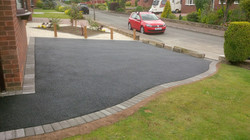 D19  Tarmac Driveway Surfacing with Charcoal Block Border at Wingerworth in Chesterfield