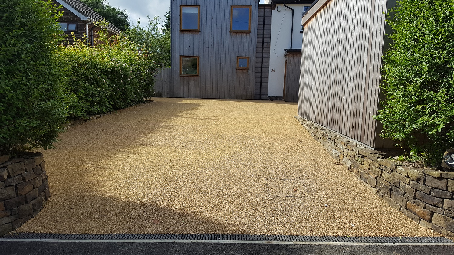 B5 - Resin Bonded Driveway Surfacing at Walton in Chesterfield