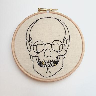 kits broderie squelette, débutant